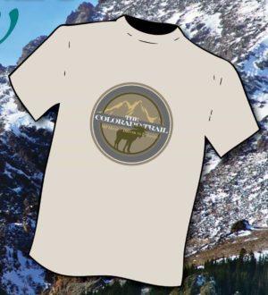 Moose fauna T-shirt against mountain backdrop
