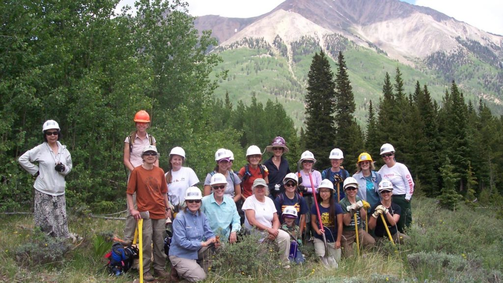 Trailwork volunteers group photo